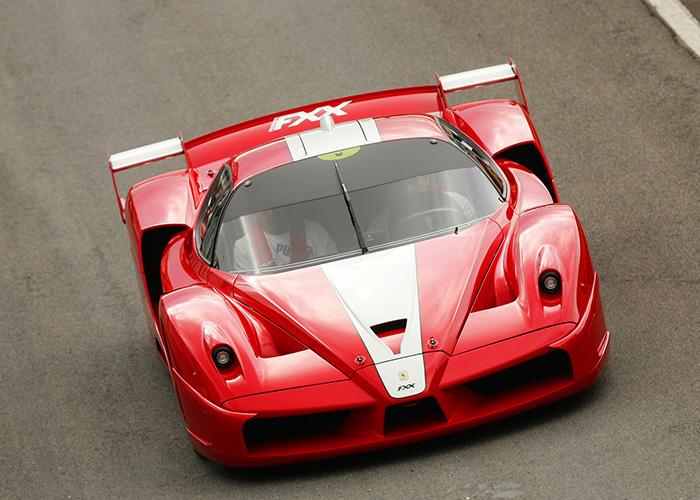 Ferrari-FXX-Rosso