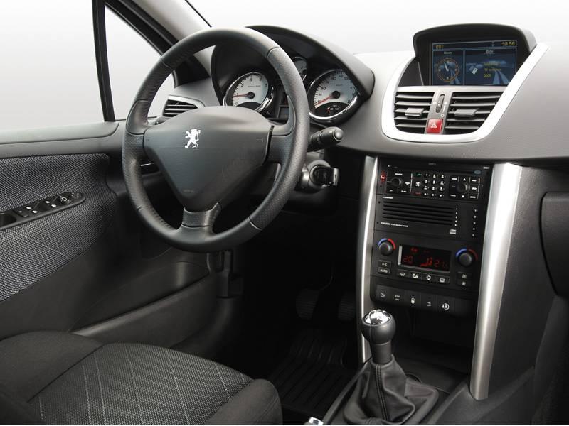 Peugeot 207 uno de los m s vendidos de 2010 autos 2k for Peugeot 207 interior