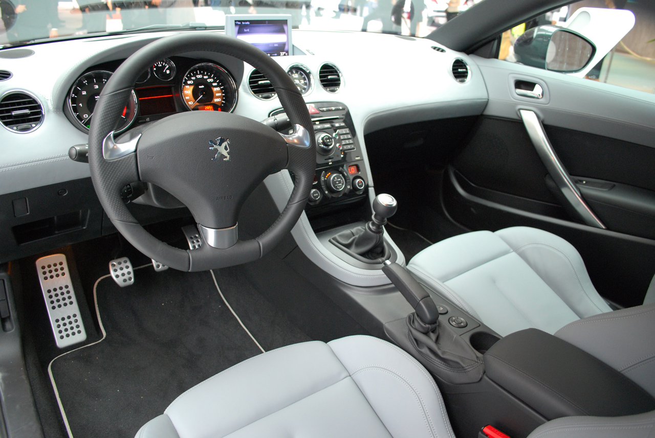 peugeot rcz interior view autos 2k. Black Bedroom Furniture Sets. Home Design Ideas